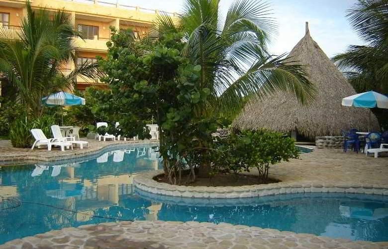Hotel Istirincha - Pool - 5