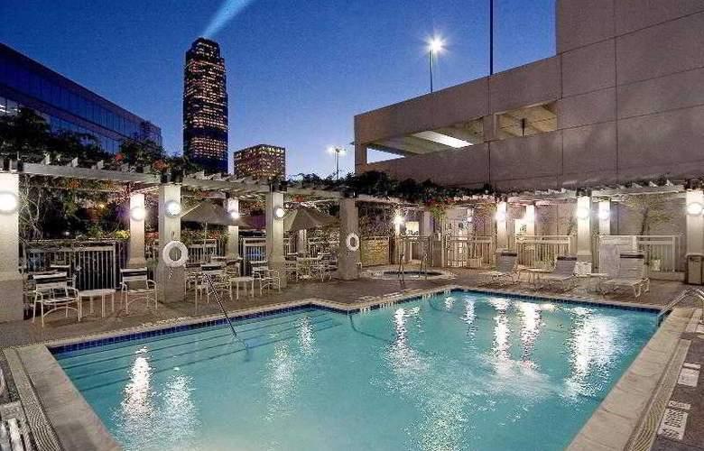 Sheraton Suites Houston near the Galleria - Pool - 34