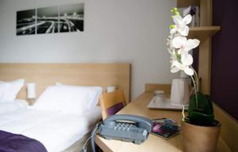 Comfort Suites Lyon Est Eurexpo - Room - 4