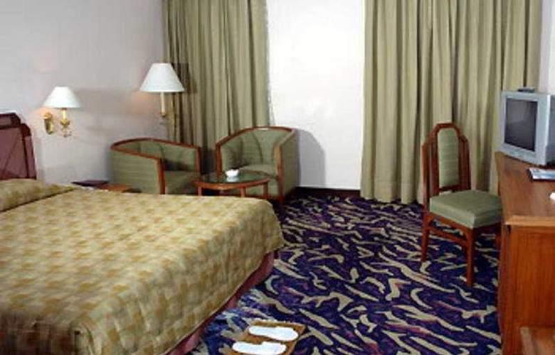 The Peerless Inn - Room - 2
