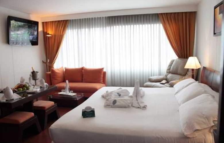 Hotel Platinum Suite - Room - 8