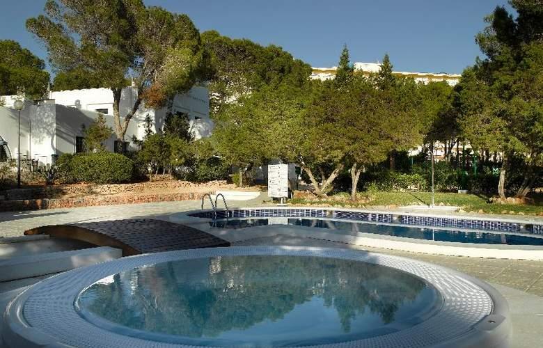 Fiesta Hotel Cala Gracio - Pool - 3