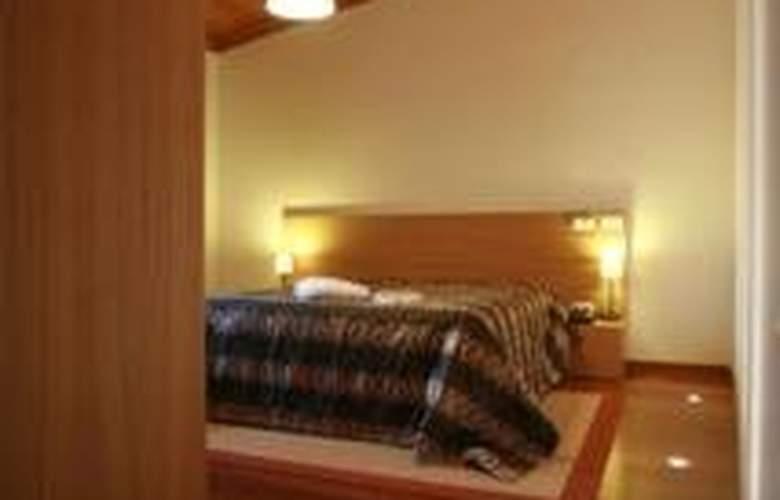 Hotel Rural Alves - Casa Alves de Torneiros - Room - 4