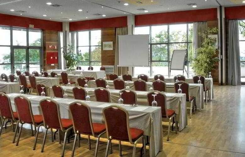 Abba Burgos - Conference - 16