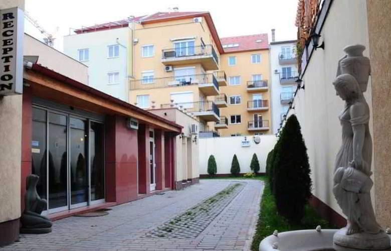 Hotel Chesscom - Hotel - 9