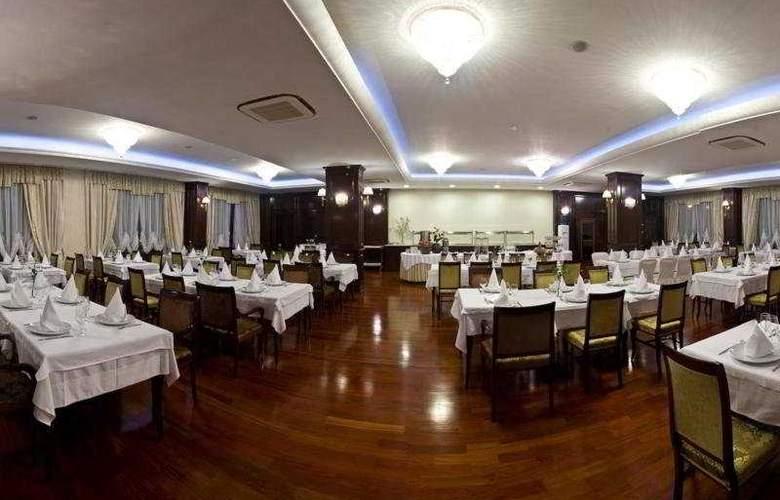 President Solin - Restaurant - 12