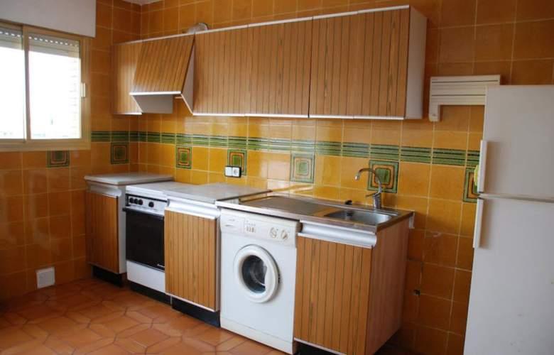 Apartamentos Meritxell/Santa Rosa -Palmyra - Room - 6