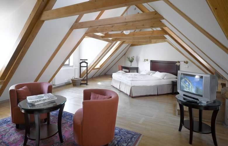 Lokal Inn - Room - 4