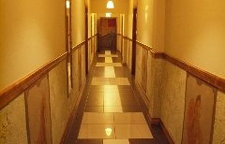 Dworek Novello - Hotel - 0