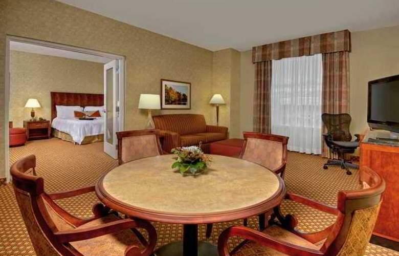 Hilton Garden Inn Ottawa Airport - Hotel - 3