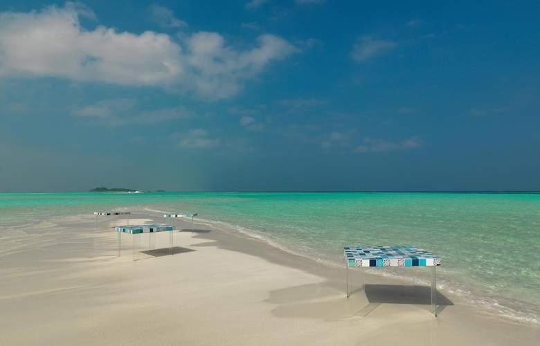 Cocoon Maldives Resort - Beach - 4