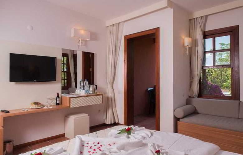 Suncity Hotel & Beach Club - Room - 4