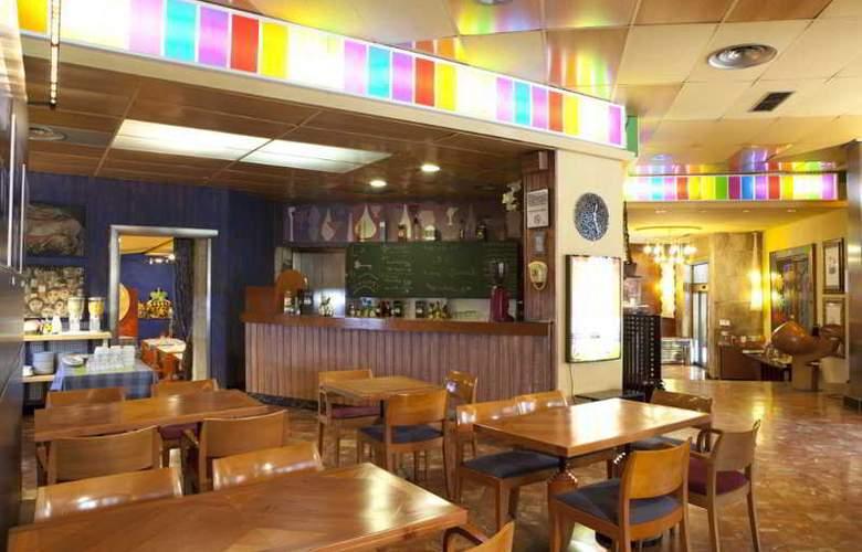Quindos - Restaurant - 27