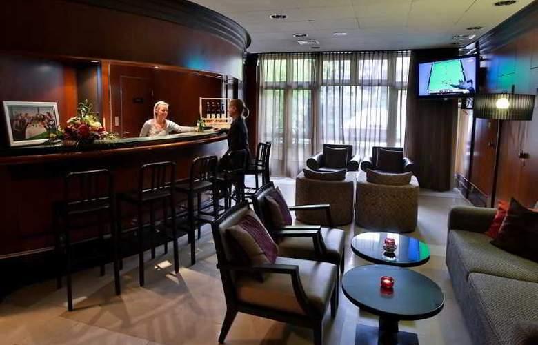 Adina Apartment Budapest - Bar - 24