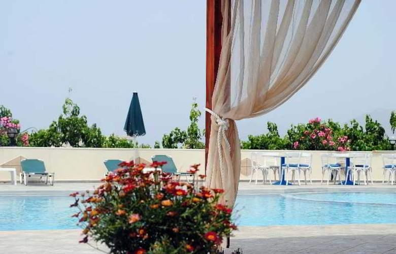 Mediterranean Studios - Pool - 2