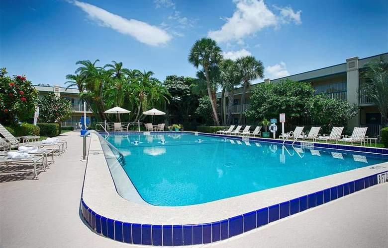 Best Western Plus Downtown Stuart - Pool - 47