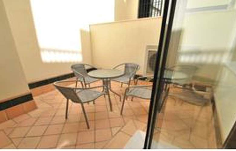 Living-Sevilla Apartments Maestranza - Terrace - 10