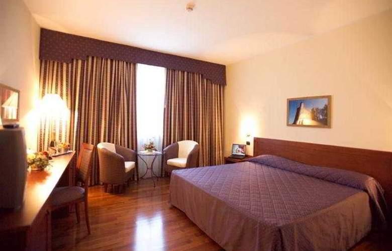 Hotel Cavalieri - Room - 2