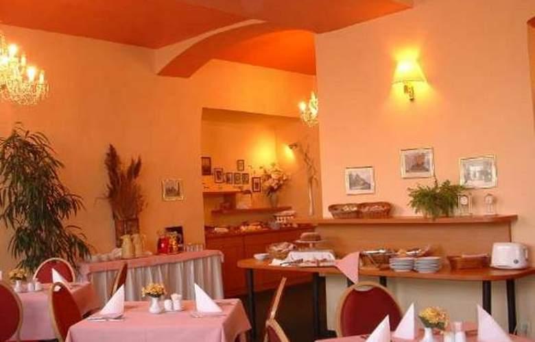 Merkur - Restaurant - 3
