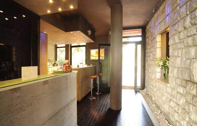 Domo Spa & Resort - Bar - 23