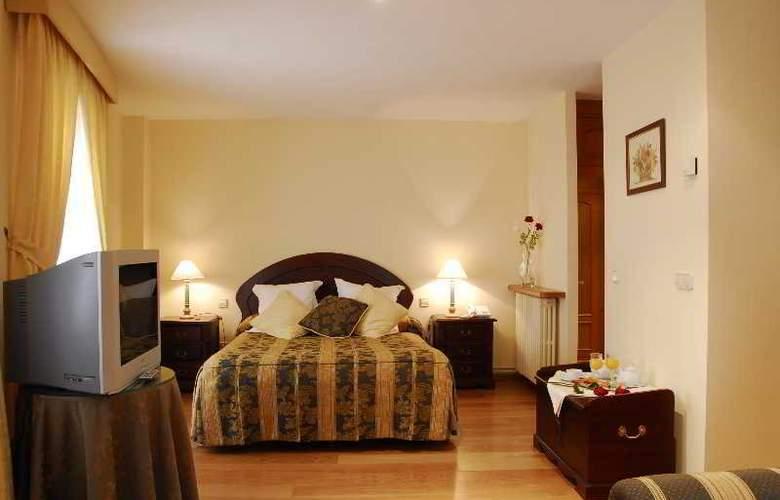 Jaume - Room - 14