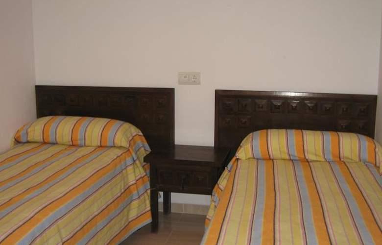 Apartamentos Hesperia, Flandria y Alfonso I - Room - 5