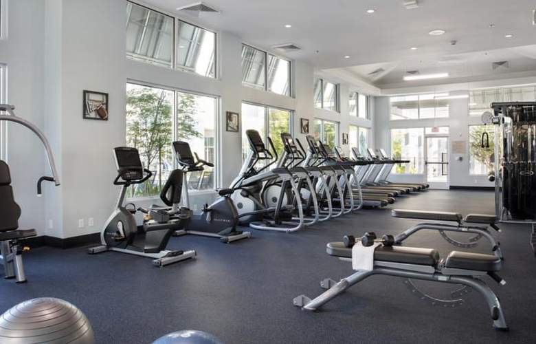 TownePlace Suites by Marriott Orlando at Flamingo Crossings/Western Entrance - Sport - 7