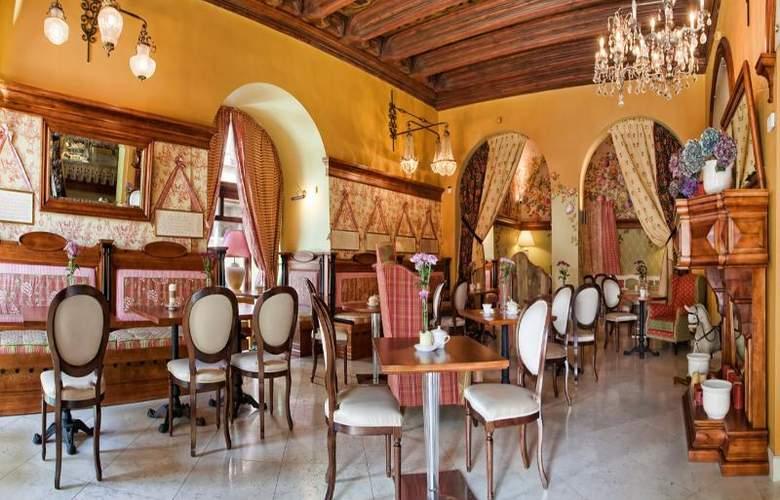 The Bonerowski Palace - Restaurant - 26