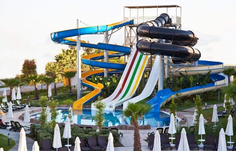 Sherwood Dreams Hotel - Pool - 14