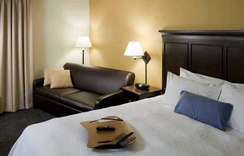 Hampton Inn & Suites Pueblo-Southgate - Hotel - 3