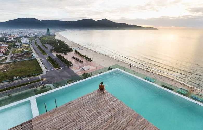 A La Carte Danang Beach - Pool - 24