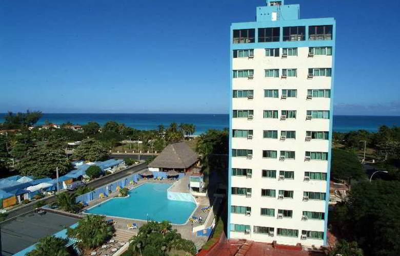 Sunbeach - Hotel - 0