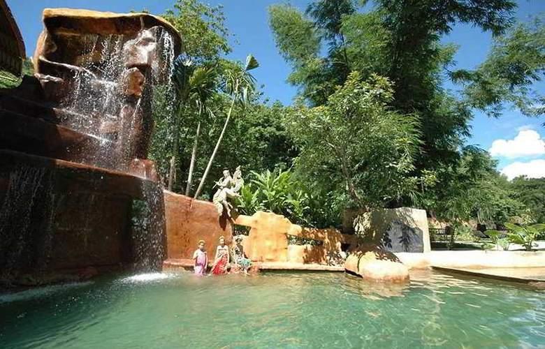 Fondcome Village Resort Chiang Mai - Pool - 6