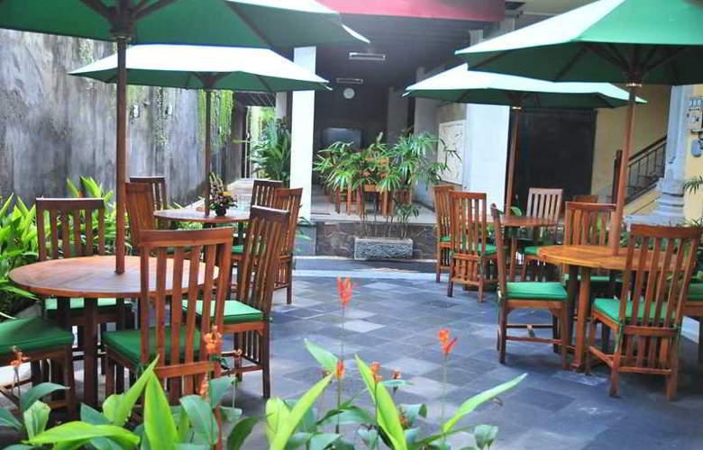Sandat Legian Hotel - Restaurant - 11