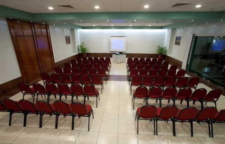 Los Olivos Spa - Conference - 9