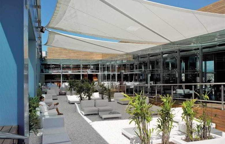 Novotel Barcelona City - Terrace - 58