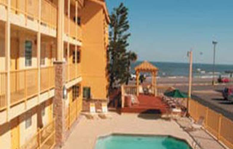 La Quinta Inn Galveston - Seawall South - Pool - 5