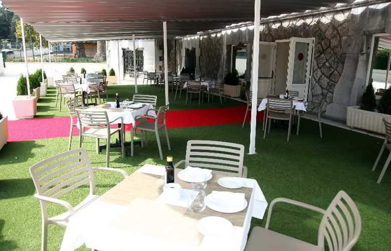URH Palacio de Oriol - Terrace - 6