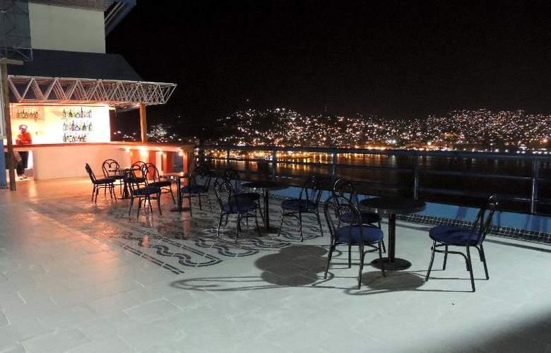 Majestic Acapulco - Terrace - 22