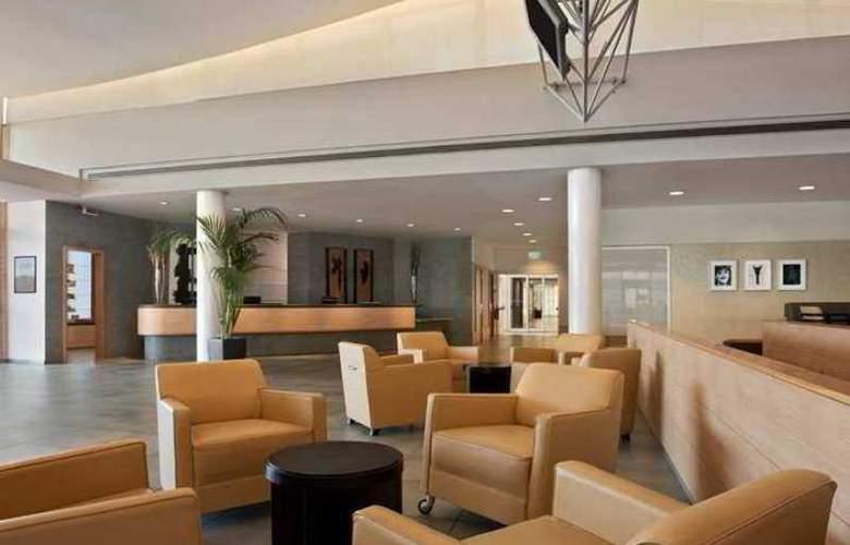 Hilton Garden Inn Rome Airport - Hotel - 2
