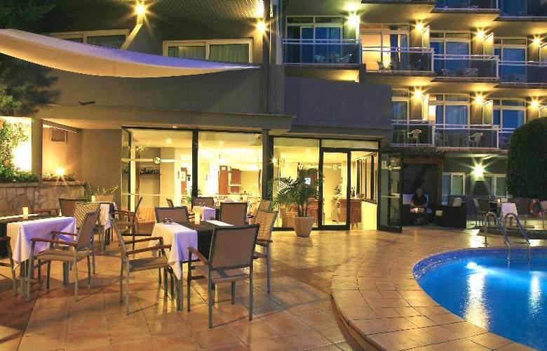 BQ Augusta - Terrace - 31