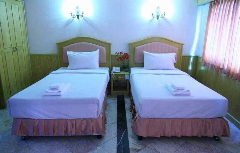13 Coins Hotel Suvarnabhumi Minburi - Room - 5