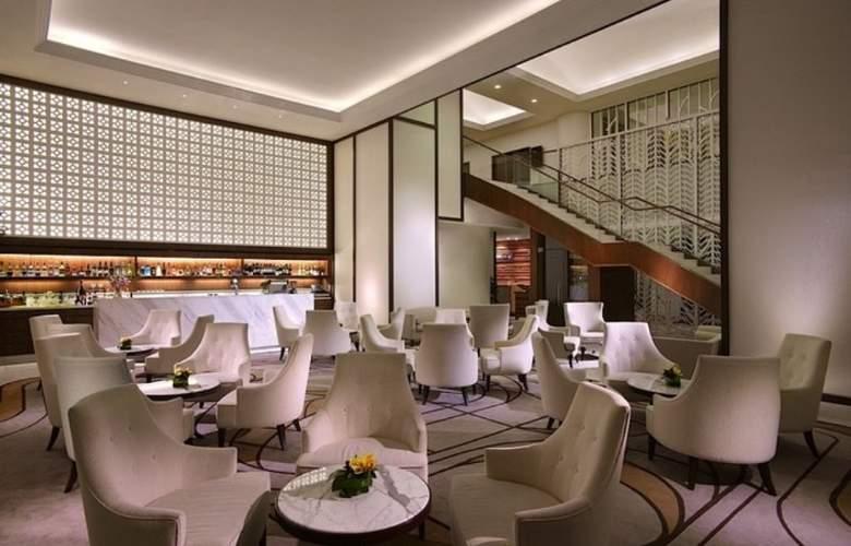 Rendezvous Singapore - Bar - 11