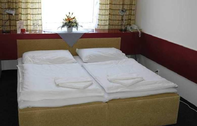 Slavia - Room - 4