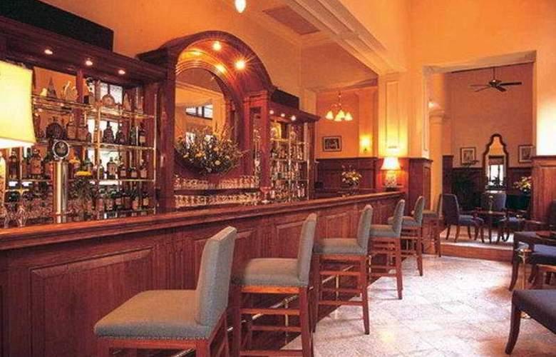 Strand - Bar - 4