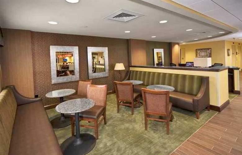 Hampton Inn Winston-Salem-I-40/Hanes Mall - Hotel - 2