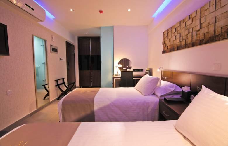 Achilleos City Hotel - Room - 4