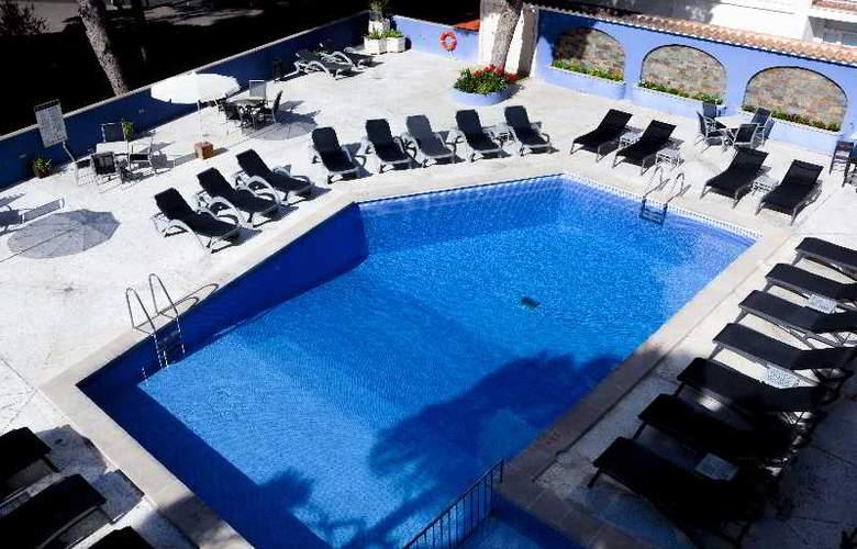 Torre Azul & Spa (Sólo adultos) - Pool - 6