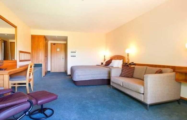 Mackenzie Country Inn - Room - 9
