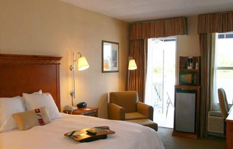 Hampton Inn Port Charlotte - Room - 11